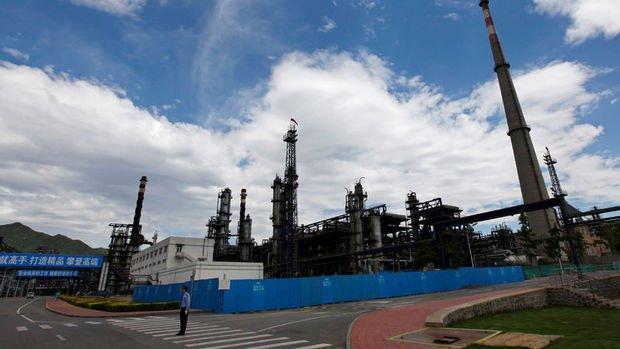 Çin'de petrol rafinerileri üretimi düşürmeye devam ediyor