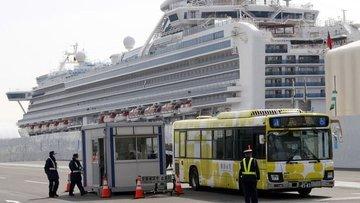 Japonya'da karantinaya alınan gemideki 2 kişi Kovid-19 ne...