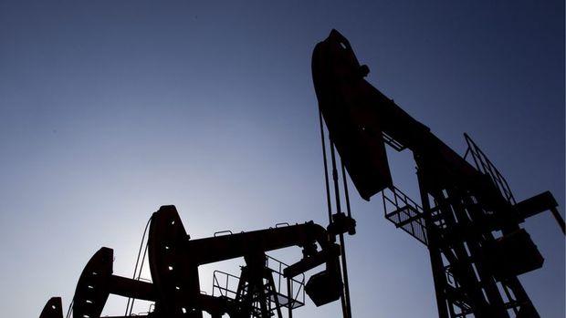 Petrol 7 gün süren yükselişin ardından yatay seyretti