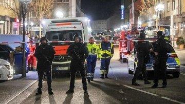Almanya'nın Hanau kentinde düzenlenen silahlı saldırıda 9...