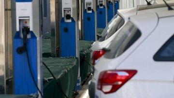 """""""Çin elektrikli otomobil teşviklerini uzatmayı değerlendi..."""