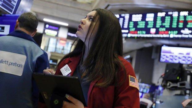 """Küresel Piyasalar: Hisseler """"virüsün Çin dışında yayılması"""" ile düştü, altın yükseldi"""