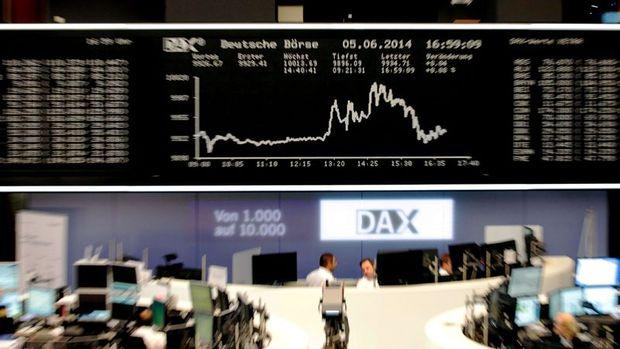 Alman borsasında DAX Endeksi'ni koronavirüs vurdu