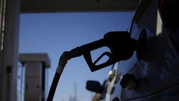 Benzinin litre fiyatına 10 kuruş indirim yapıldı