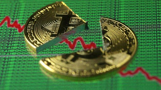 Bitcoin 9 bin dolar desteğinin altına geriledi