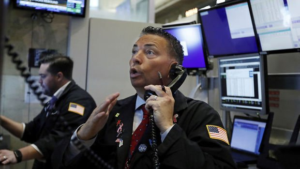"""Küresel Piyasalar: Hisselerde """"virüs"""" kaynaklı satışlar y..."""