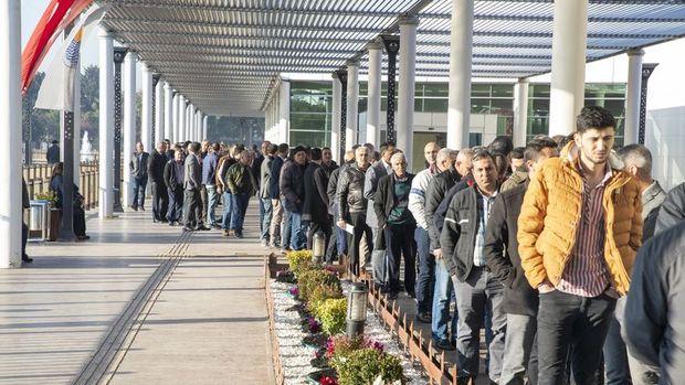 İşsizlik oranı Aralık'ta % 13.7'ye yükseldi