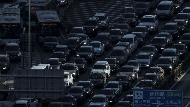 Çin'de otomobil satışları Şubat'ta % 79'la en büyük aylık düşüşü kaydetti