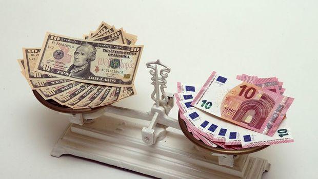 """Euro/dolar """"AMB"""" sonrasında günlük kaybını geri aldı"""