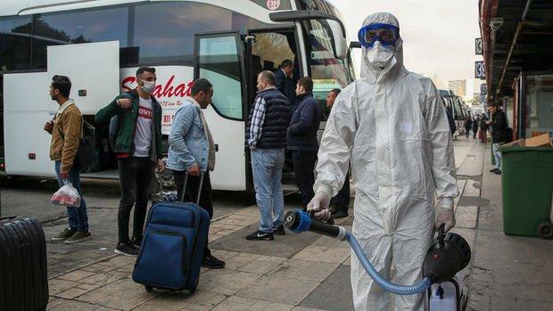 İstanbul'da koronavirüse karşı dezenfekte çalışmaları sürüyor