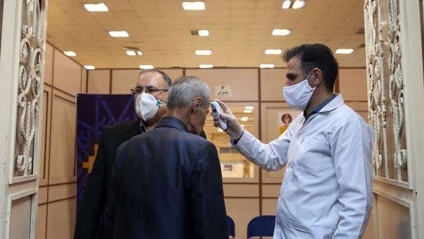 İran'da koronavirüs kaynaklı can kaybı 853'e yükseldi