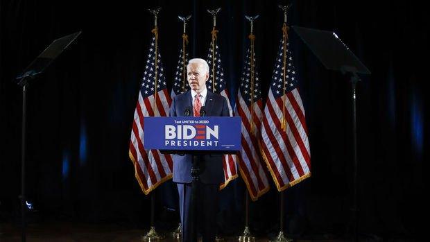 Joe Biden, Bernie Sanders karşısında kritik Florida ön seçimlerini kazandı