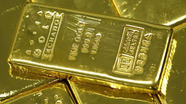 Altın yüksek volatilite ortamında tekrar düşüyor