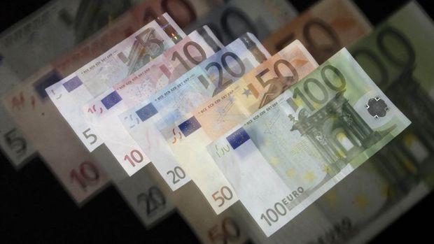 Euro Bölgesi'nde yıllık enflasyon yüzde 1,2'ye geriledi