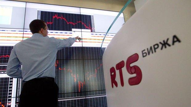 Rusya'da piyasalar haftaya negatif başladı