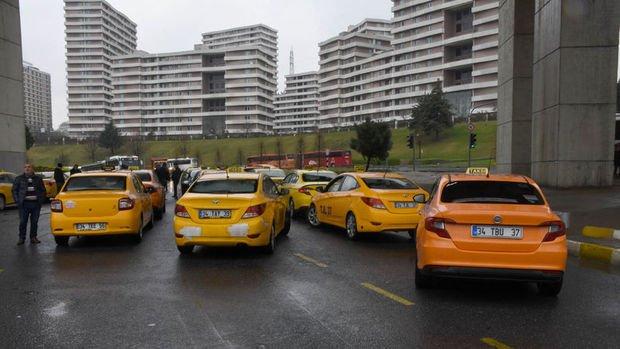 Ticari taksilerin trafiğe çıkışlarında sınırlamaya gidilecek