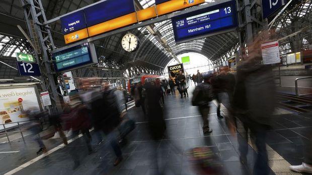 Almanya'da işsizlik virüs etkisi öncesi stabil seyretti