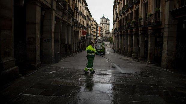 İspanya'da Kovid-19 ölümlerinde 17 günün en düşük artışı