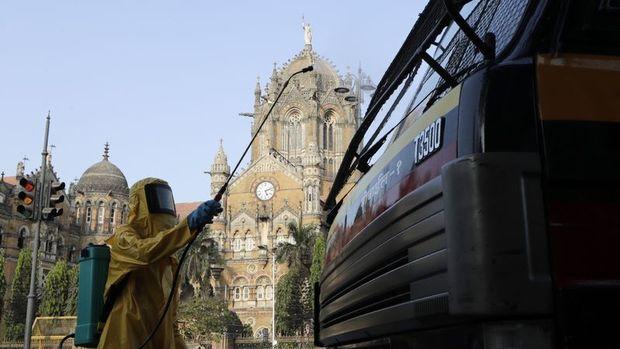 Hindistan ulusal karantina uygulamasını uzattı