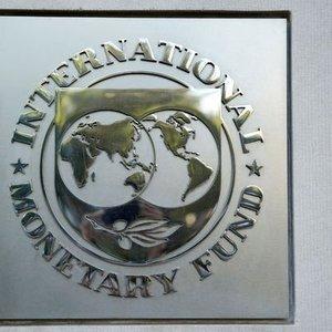 IMF KÜRESEL BÜYÜME TAHMİNİNİ DÜŞÜRDÜ