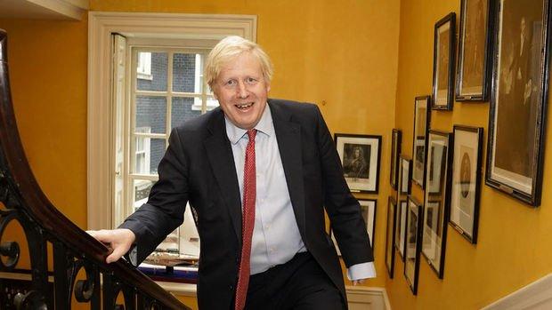 Boris Johnson salgında en kötüsünün geride kaldığını söyledi