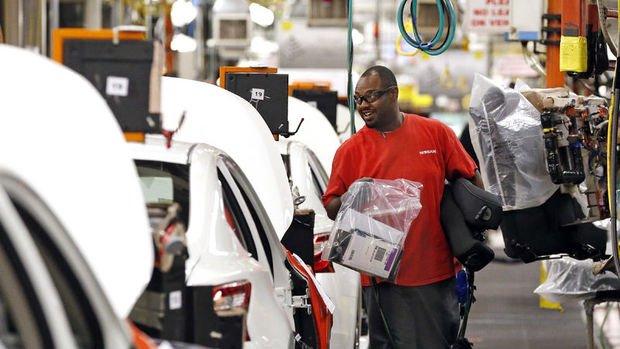 ABD'de fabrika siparişleri Mart'ta tahminlerin üzerinde düştü