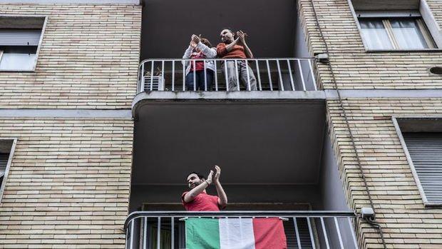 İtalya'da restoran ve kuaförlerin açılışı tarihi öne çekiliyor