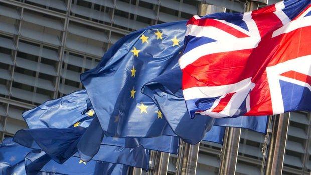 İngiltere Brexit'in ardından gümrük vergilerini indirmeye hazırlanıyor