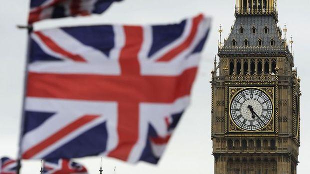 İngiltere'de 5 yıllıkların faizi ilk kez sıfırın altına indi