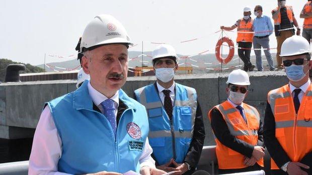 Bakan Karaismailoğlu: Ulaştırma projeleri salgın tedbirleri gevşetilmeden devam edecek