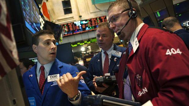 Küresel Piyasalar: Dolar yatay, hisseler