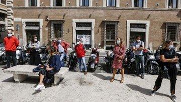 İtalya'da sosyal mesafeyi sivil yardımcılar denetleyecek