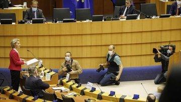 """Avrupa Birliği """"radikal plan"""" ile bir kez daha uçurumdan ..."""
