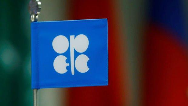 OPEC+ üretim kısıntılarını kısa bir süre uzatabilir
