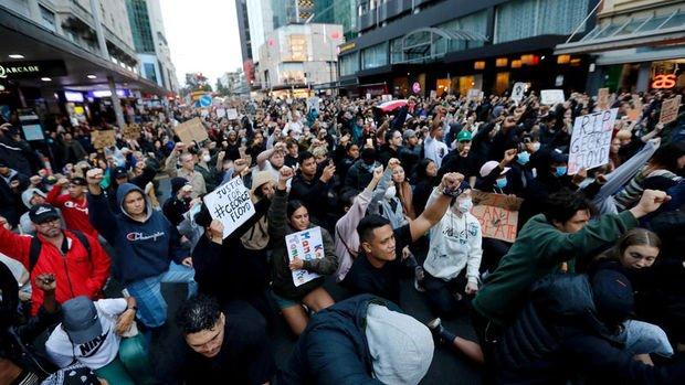 Beyaz Saray, protestolar için daha fazla ulusal muhafız görevlendirilmesi çağrısı yaptı