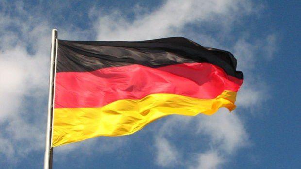 Almanya'da fabrika siparişleri Nisan'da yüzde 25,8 azaldı