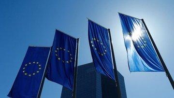 Lagarde ve Merkel Avrupa'da politika koordinasyonu beklen...