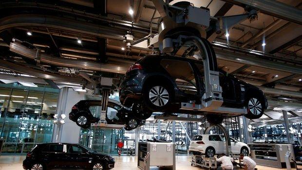 Almanya'da sanayi üretimi beklentilerden fazla geriledi