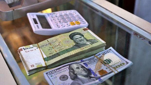 İran'ın para birimi yıl başından bu yana dolar karşısında yüzde 35 değer kaybetti
