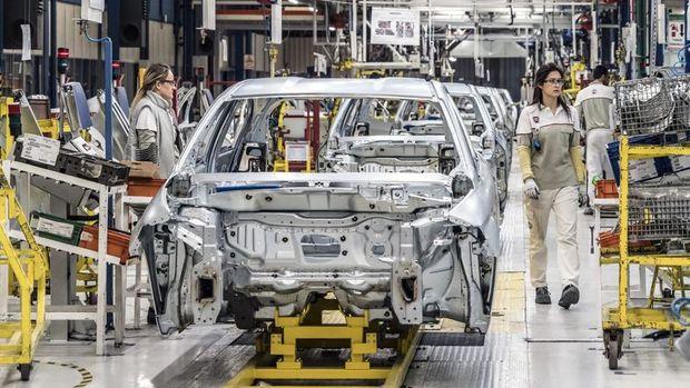 Sanayi üretimi Nisan'da % 30.4 düştü