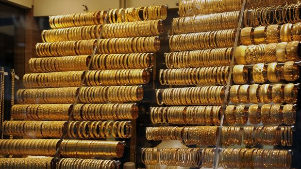 Gram altın güçlü dolar ve ons altından destek buldu