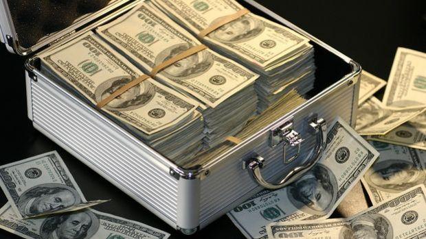 Özel sektörün yurt dışı kredi borcu Nisan'da azaldı