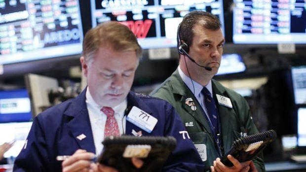 Küresel Piyasalar: Hisseler haftalık yükselişe yöneldi, dolar kazancını korudu