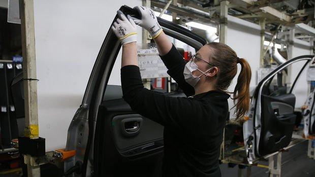 Fransa'da PMI Endeksleri sürpriz biçimde büyümeye işaret etti