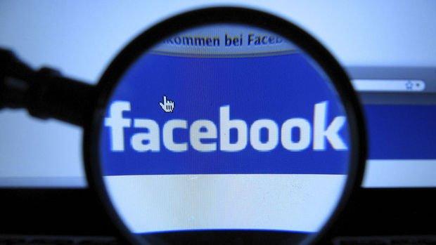 Facebook reklam gelirlerinin azalmasıyla baskı altında