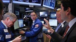Küresel Piyasalar: Hisseler yükseldi, dolar kaybını korudu