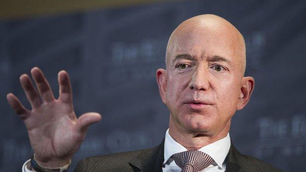 Jeff Bezos servetiyle rekor tazeledi