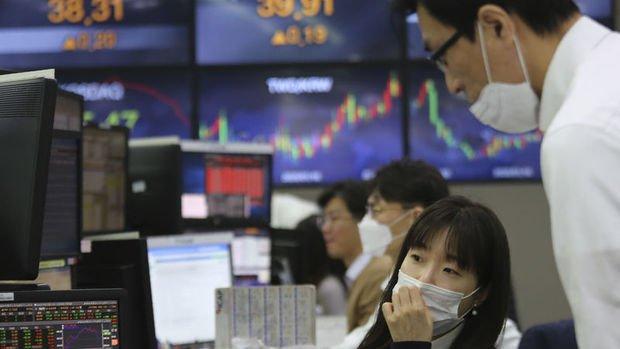 Asya borsaları düşük hacimli işlemlerde yükseldi