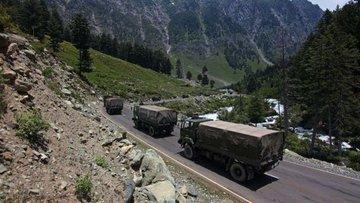 Hindistan'ın Çin ile çatışmanın yaşandığı Ladakh'taki hav...