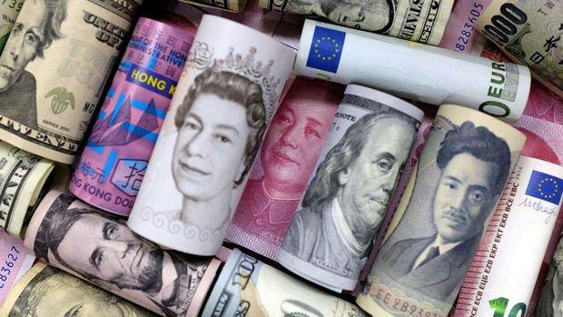 Dolar artan risk iştahı ile düştü, euro ralli yaptı